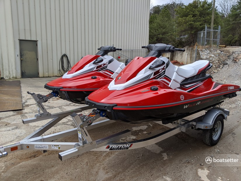 Rent a Yamaha jet ski_/_personal_water_craft in Sherrills Ford, NC near me