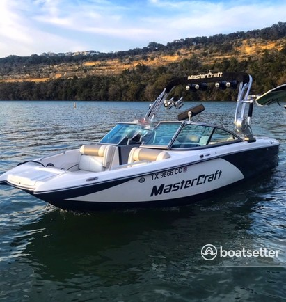 Rent a MasterCraft Boats ski and wakeboard in Austin, TX near me
