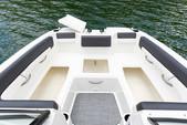 22 ft. Bayliner DX220 Bow Rider Boat Rental New York Image 6