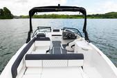 22 ft. Bayliner DX220 Bow Rider Boat Rental New York Image 8