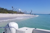 32 ft. World Cat Boats 320DC Dual Console w/2-300HP Catamaran Boat Rental Tampa Image 7