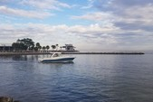 32 ft. World Cat Boats 320DC Dual Console w/2-300HP Catamaran Boat Rental Tampa Image 9