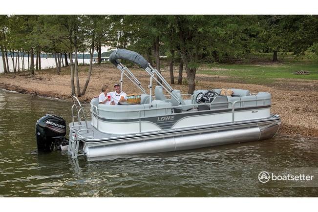 Rent a Lowe Pontoons pontoon in Sand Lake, MI near me