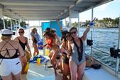 31 ft. Custom Aluminum Pontoon 31´ Pontoon Boat Rental Miami Image 5