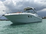 33 ft. Sea Ray Boats 310 Sundancer Cruiser Boat Rental Miami Image 5