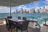 80 ft. Azimut Yachts 80 Carat Flybridge Boat Rental Miami Image 5