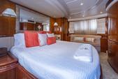 80 ft. Azimut Yachts 80 Carat Flybridge Boat Rental Miami Image 15