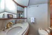 80 ft. Azimut Yachts 80 Carat Flybridge Boat Rental Miami Image 16