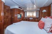 80 ft. Azimut Yachts 80 Carat Flybridge Boat Rental Miami Image 19