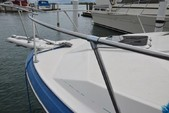 25 ft. Bayliner 2556 Ciera Convertible Cruiser Boat Rental Detroit Image 3