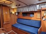 30 ft. Lippincott 30 Cruiser Boat Rental Washington DC Image 9