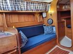 30 ft. Lippincott 30 Cruiser Boat Rental Washington DC Image 10