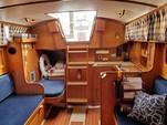 30 ft. Lippincott 30 Cruiser Boat Rental Washington DC Image 11