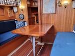 30 ft. Lippincott 30 Cruiser Boat Rental Washington DC Image 7