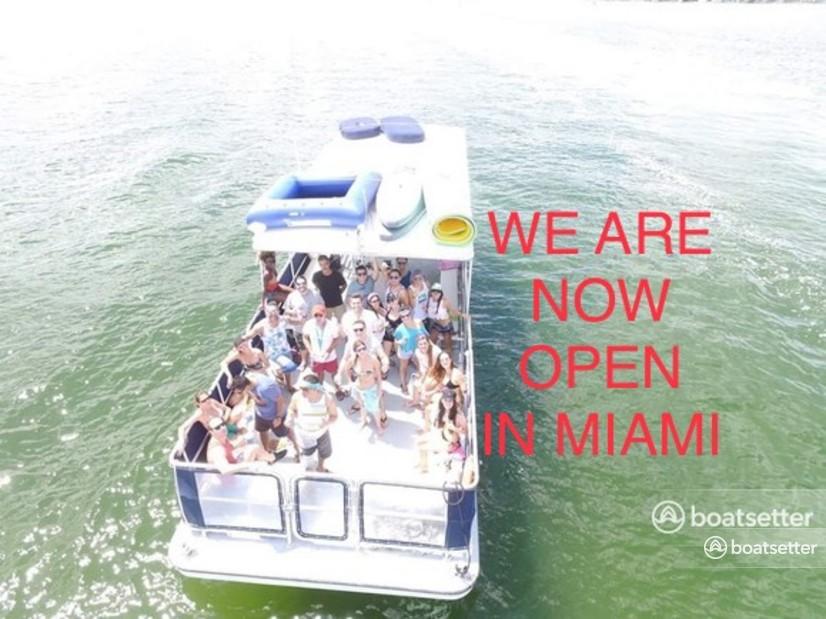 Rent a Corinthian pontoon in Miami, FL near me