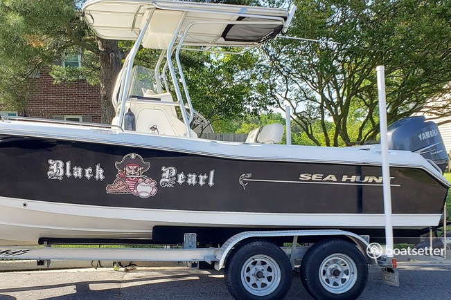 Rent a Sea Hunt Boats center console in Virginia Beach, VA near me