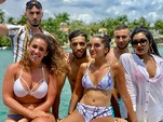 29 ft. Regal Boats 2700ES Cruiser Boat Rental Miami Image 14