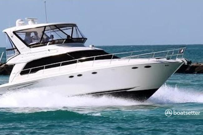 Rent a Sea Ray Boats motor yacht in Riviera Beach, FL near me