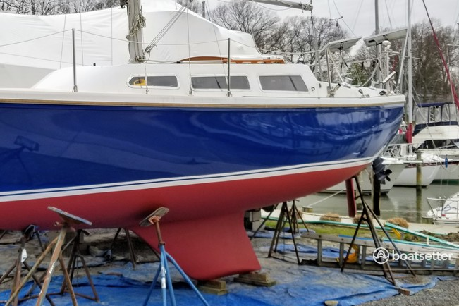Rent a Catalina sloop in Riviera Beach, MD near me