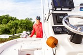 18 ft. Pathfinder 2200 Tournament Center Console Boat Rental Tampa Image 3