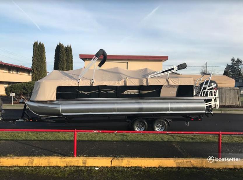 Rent a Bentley Pontoon pontoon in Auburn, WA near me