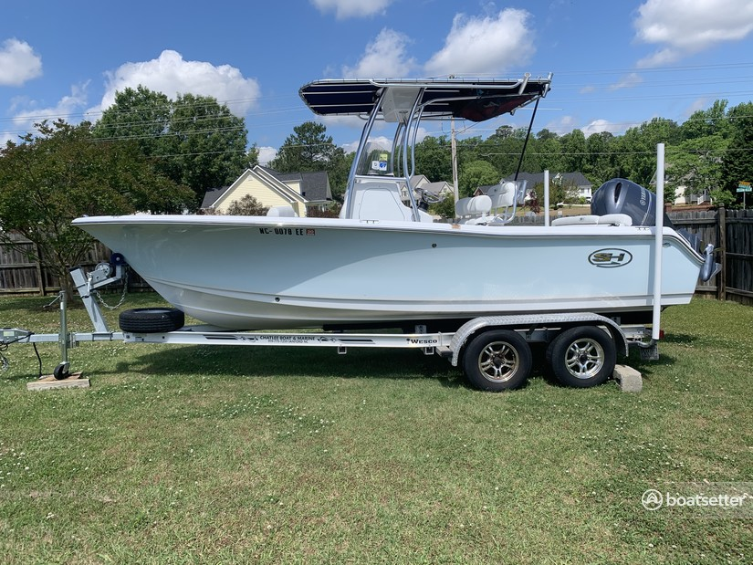 Rent a Sea Hunt Boats center console in Morehead City, NC near me