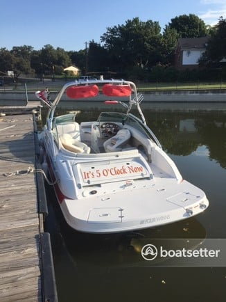 Rent a Four Winns Boats ski and wakeboard in Fort Worth, TX near me