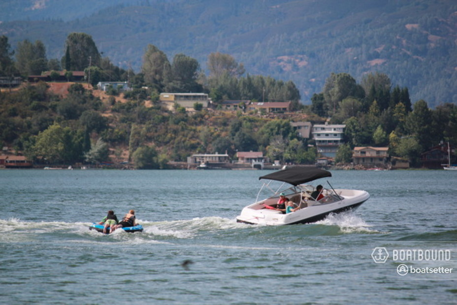 Rent a Four Winns bow rider in Kelseyville, CA near me