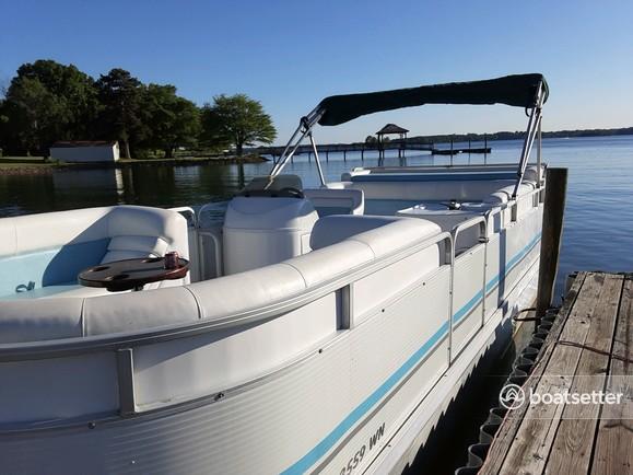 Rent a Sundancer Pontoons pontoon in Mooresville, NC near me