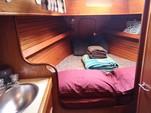 30 ft. Lippincott 30 Cruiser Boat Rental Washington DC Image 15