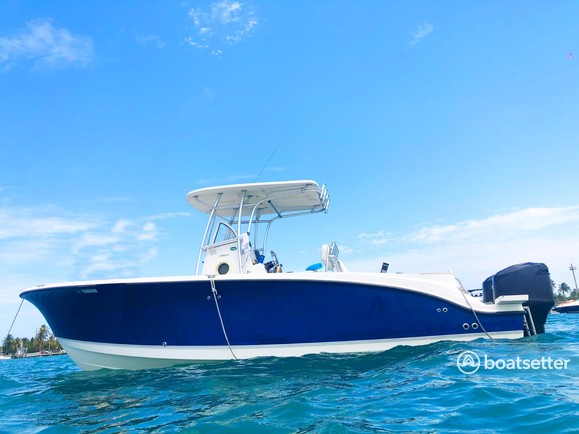Rent a Trophy Boats center console in Miami, FL near me