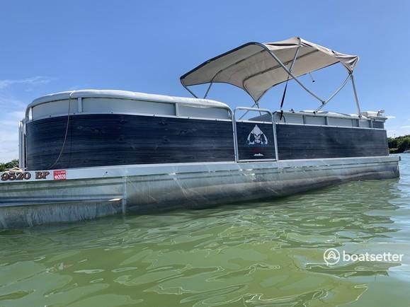 Rent a Sundancer Pontoons pontoon in Rockwall, TX near me