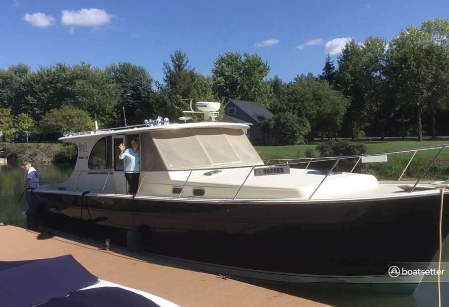Rent a Mainship Pilot trawler in East Falmouth, MA near me