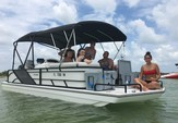 23 ft. Hurricane Fundeck  Deck Boat Boat Rental Tampa Image 23