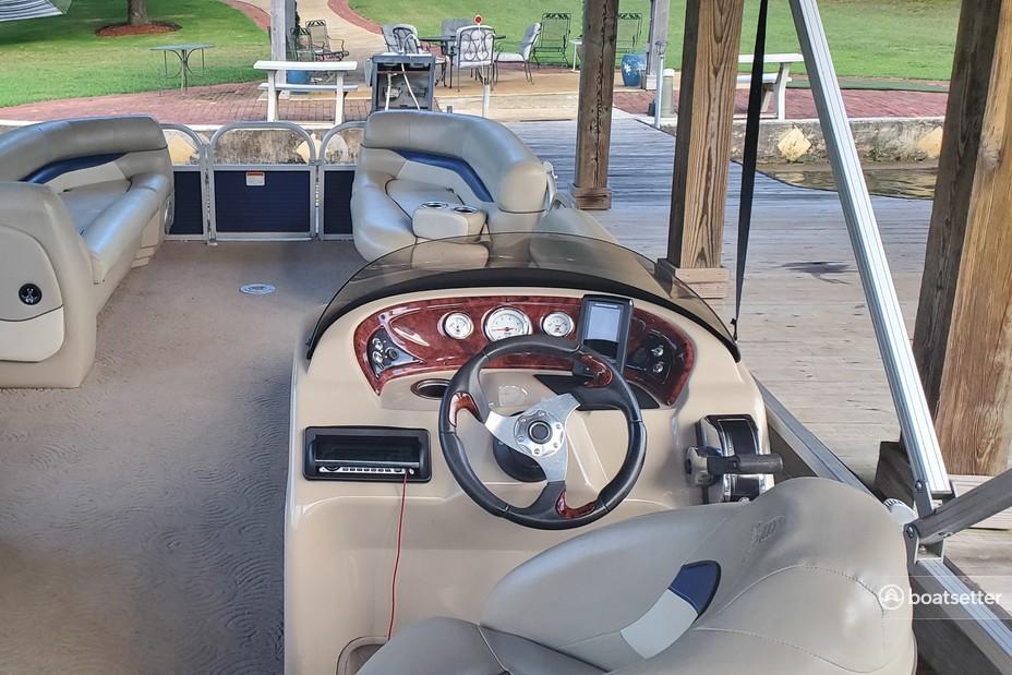 Rent a Sun Tracker by Tracker Marine pontoon in Shelby, AL near me
