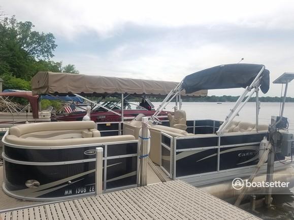 Rent a Crest Pontoons pontoon in Pine City, MN near me