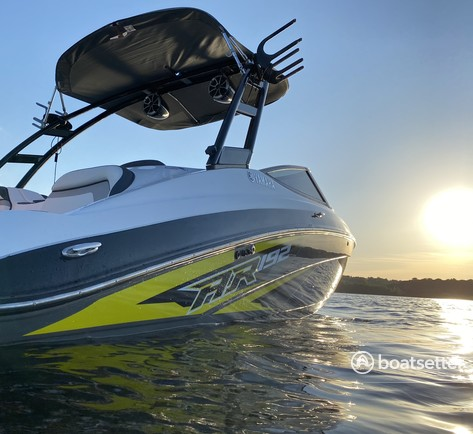 Rent a Yamaha deck boat in Saint Paul, MN near me