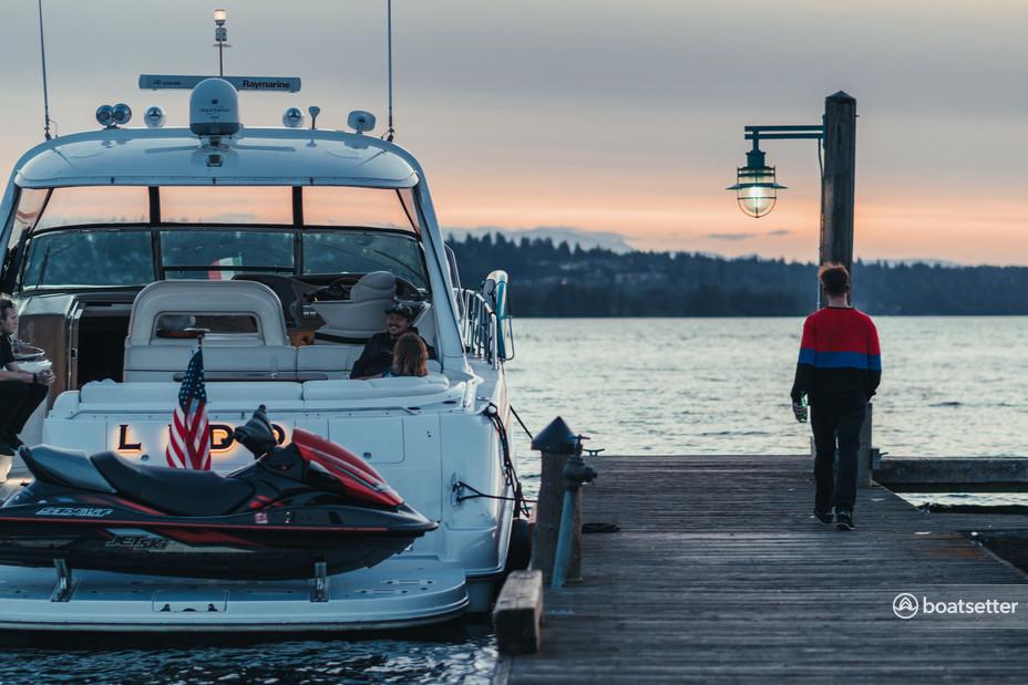 Rent a Sea Ray Boats express cruiser in Kirkland, WA near me