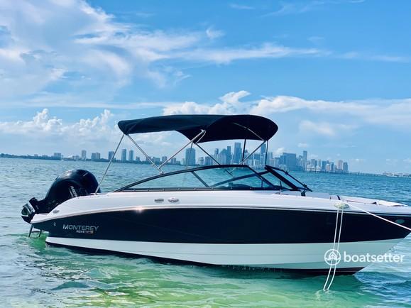 Rent a Sea Ray Boats bow rider in Miami Beach, FL near me