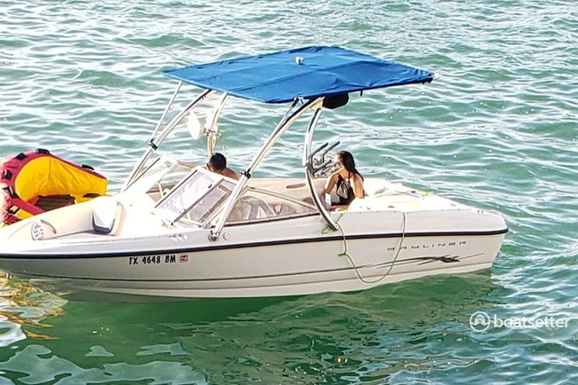 Rent a Bayliner runabout in Canyon Lake, TX near me