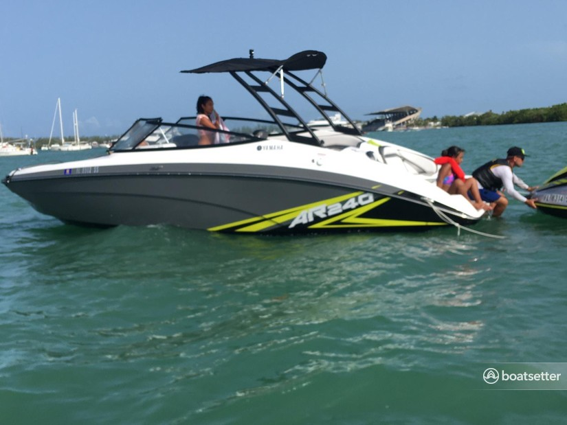 Rent a Yamaha bow rider in Miami, FL near me