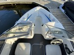 18 ft. Bayliner 175 BR  Bow Rider Boat Rental Washington DC Image 5