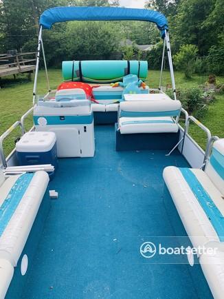 Rent a Godfrey Marine pontoon in Bloomington, IN near me