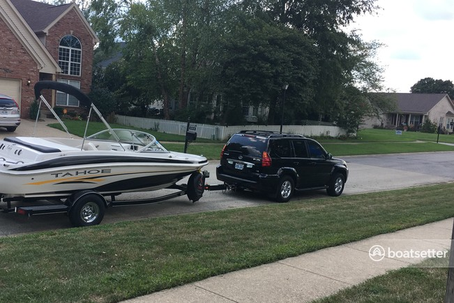 Rent a Tahoe by Tracker Marine runabout in Louisville, KY near me