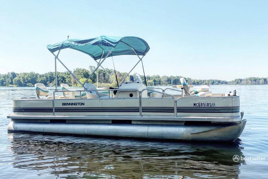 Rent a Bennington Marine pontoon in Paw Paw, MI near me