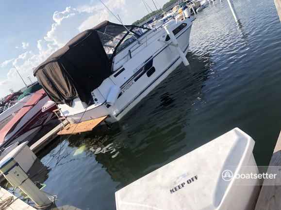 Rent a Regal Boats express cruiser in St. Clair Shores, MI near me