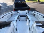 24 ft. Yamaha 242 Limited S  Bow Rider Boat Rental Tampa Image 4