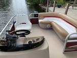 20 ft. Sun Tracker by Tracker Marine Party Barge 18 DLX Signature w/60ELPT 4-S Pontoon Boat Rental The Keys Image 9