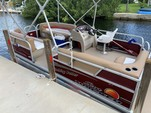 20 ft. Sun Tracker by Tracker Marine Party Barge 18 DLX Signature w/60ELPT 4-S Pontoon Boat Rental The Keys Image 4