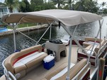 20 ft. Sun Tracker by Tracker Marine Party Barge 18 DLX Signature w/60ELPT 4-S Pontoon Boat Rental The Keys Image 6